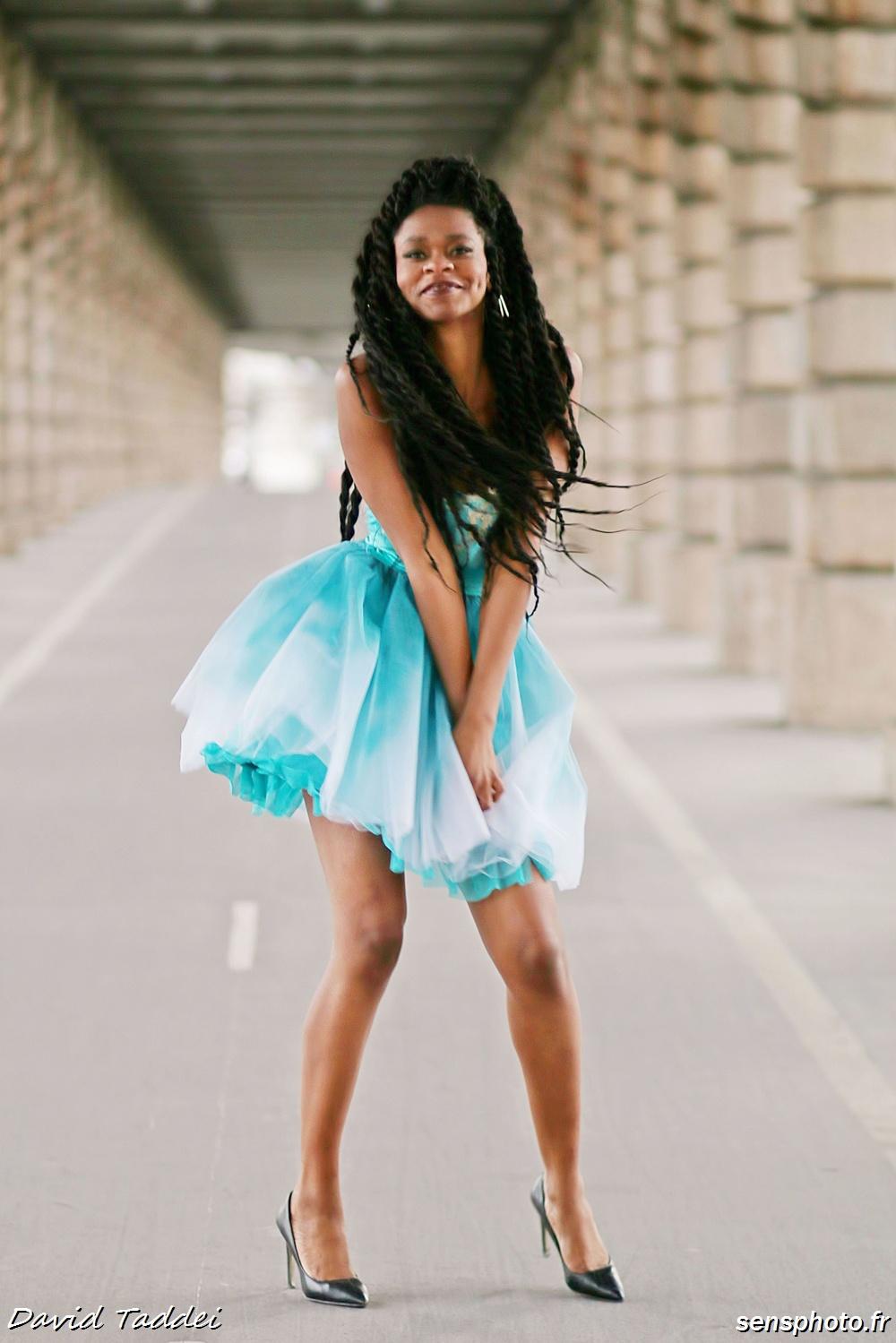 Diane Fonkoua porte la robe Meerschaum par Emmanuelle C Paris