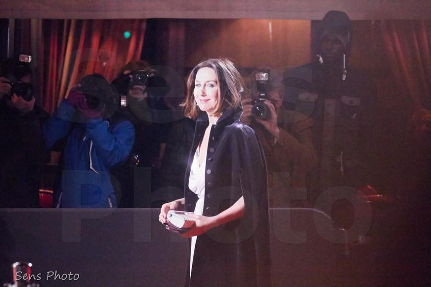Elsa Zylberstein arrive à la 41e cérémonie des César 2016