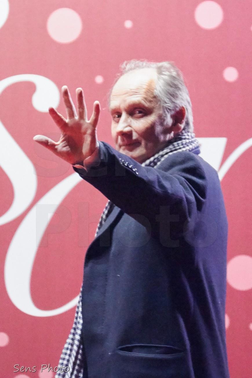 Hippolyte Girardot arrive à la 41e cérémonie des César 2016