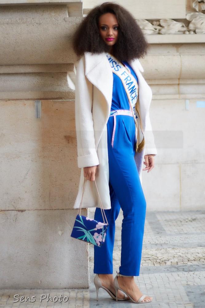 Alicia Aylies après le défilé Léonard Paris Fashion Week