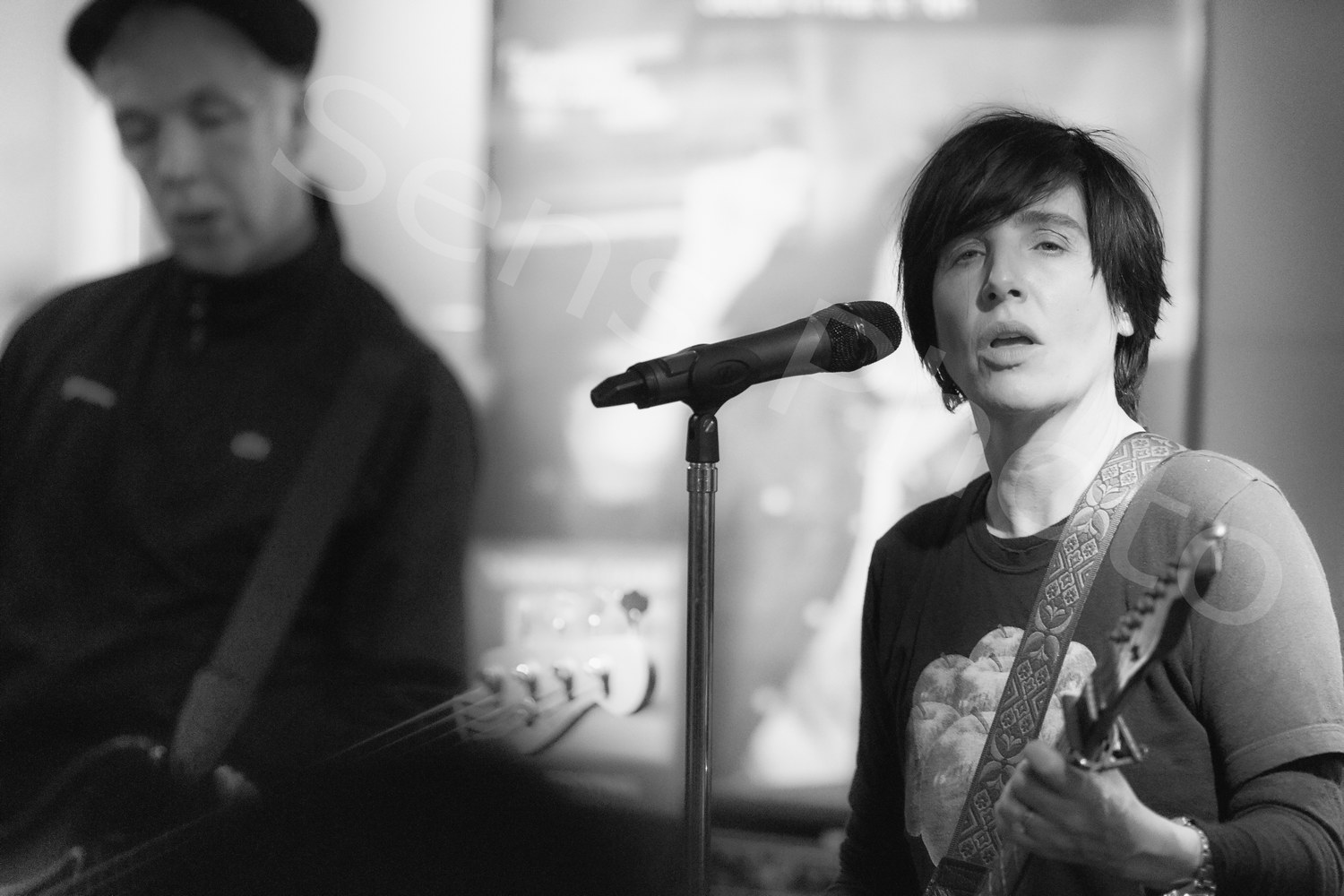 Texas and Sharleen Spiteri in showcase in Paris for Jump on Board