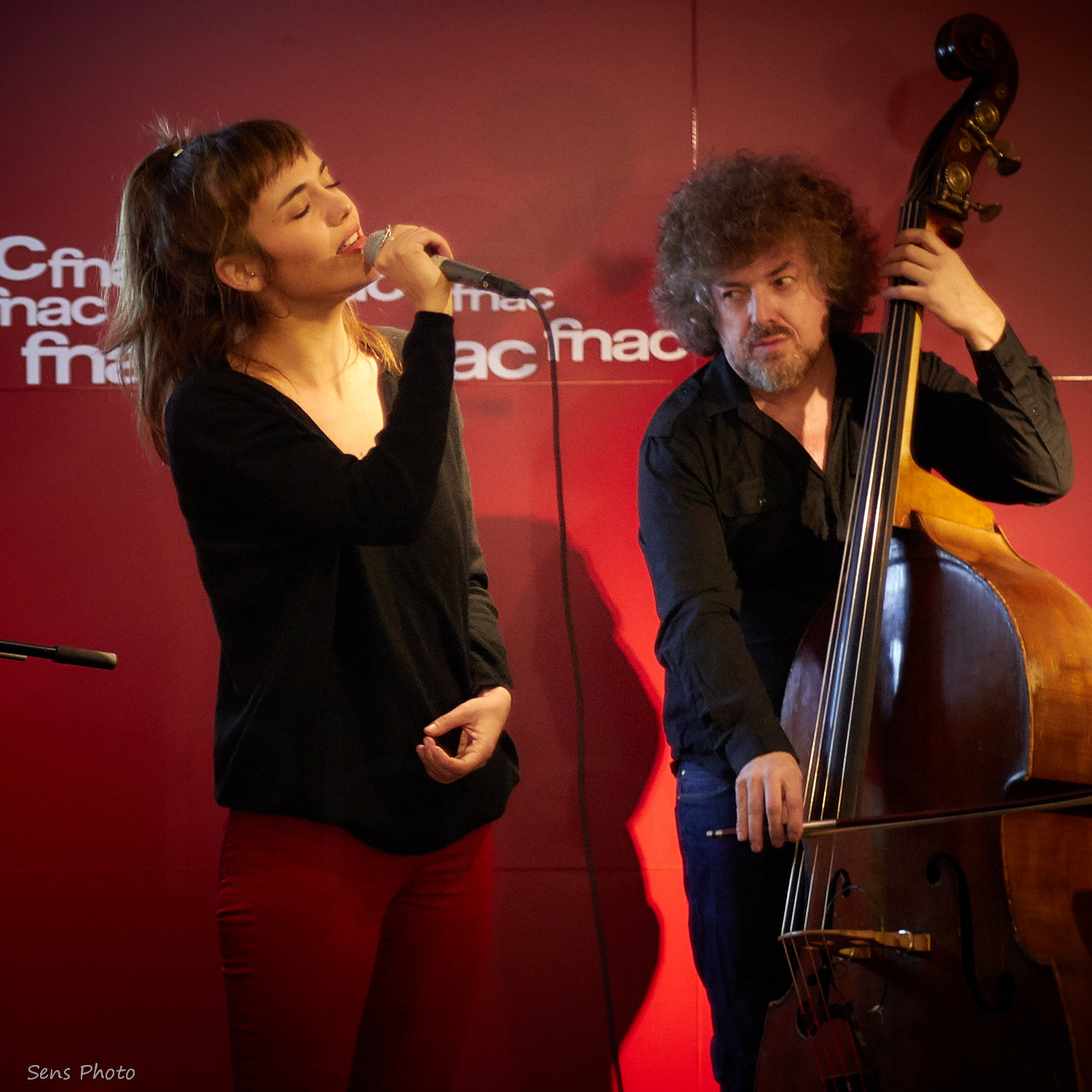 Camille Bertault chante à Paris en showcase